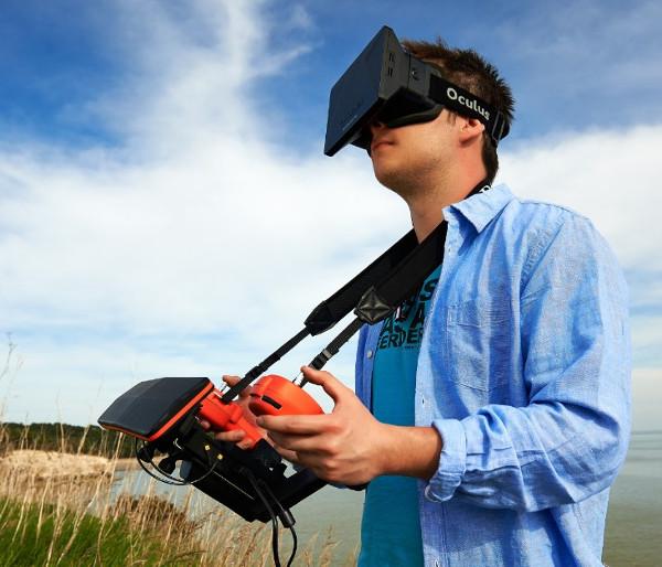 Квадрокоптер Advance Robotix с очками виртуальной реальности
